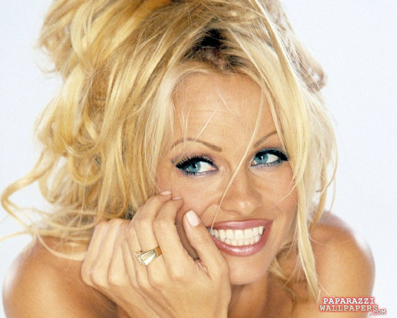 pamela anderson wallpapers 064